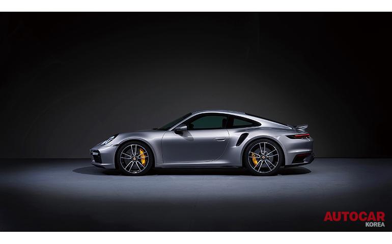 아이코닉 스포츠카의 8번째 진화, 포르쉐 뉴 911