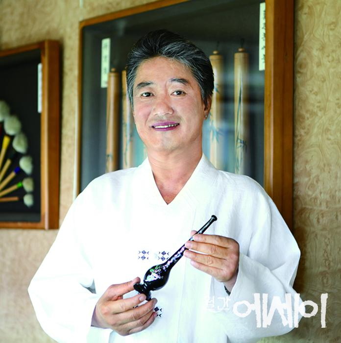 [뿌리를 찾아서] 겸손함과 끝없는 고민 / 박경수, 필장·무형문화재