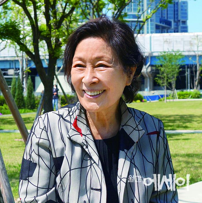 [아름다운 人터뷰] 한줄기 빛과 같은 / 김혜자 배우